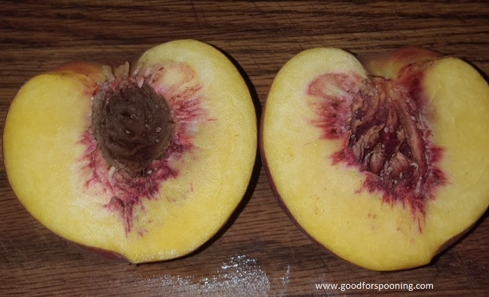 Notice how the pit comes away cleanly from the flesh? That's the beauty of a freestone peach